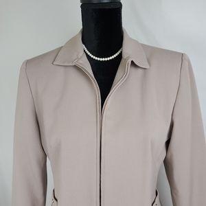 Larry Levine Suits💕 Cream Jacket. Size 10P.